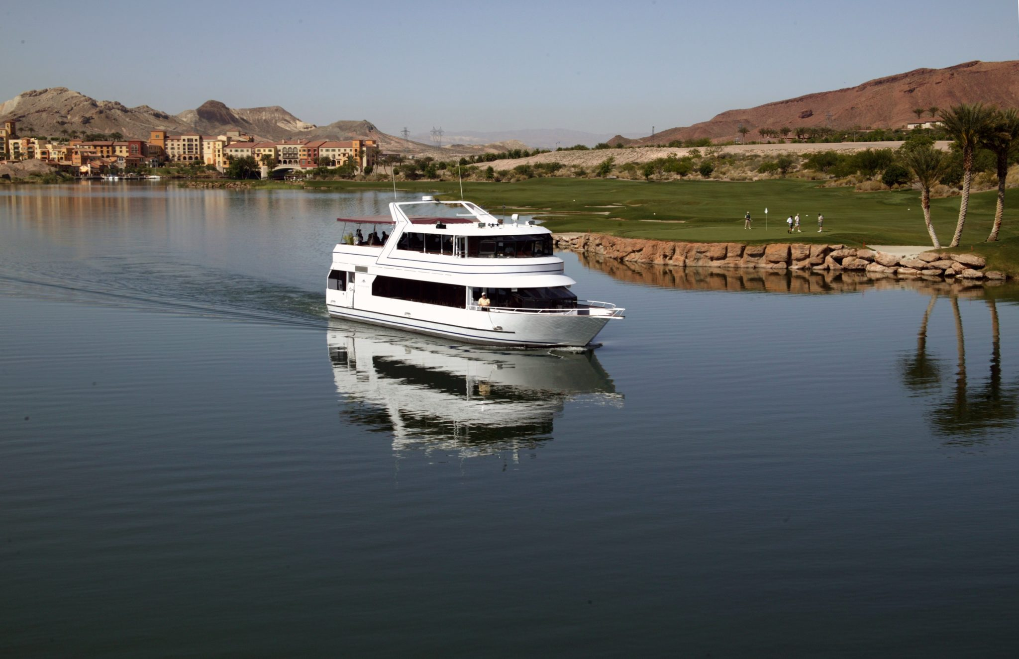 The Unique Event On Decorated La Contessa Yacht Will Sail Around 320 Acre Lake At Las Vegas